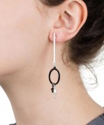 stick-hoop-earrings-silver-black-model