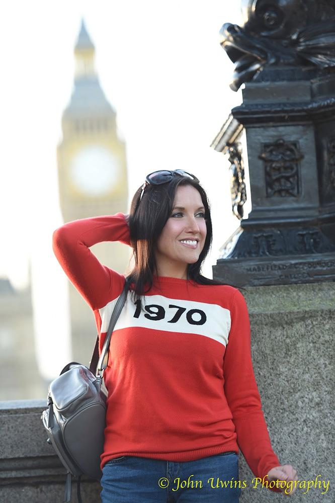 fifi baggins - wear me like sweater 010